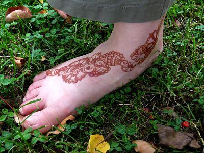 tatouage au henné -motif de pied